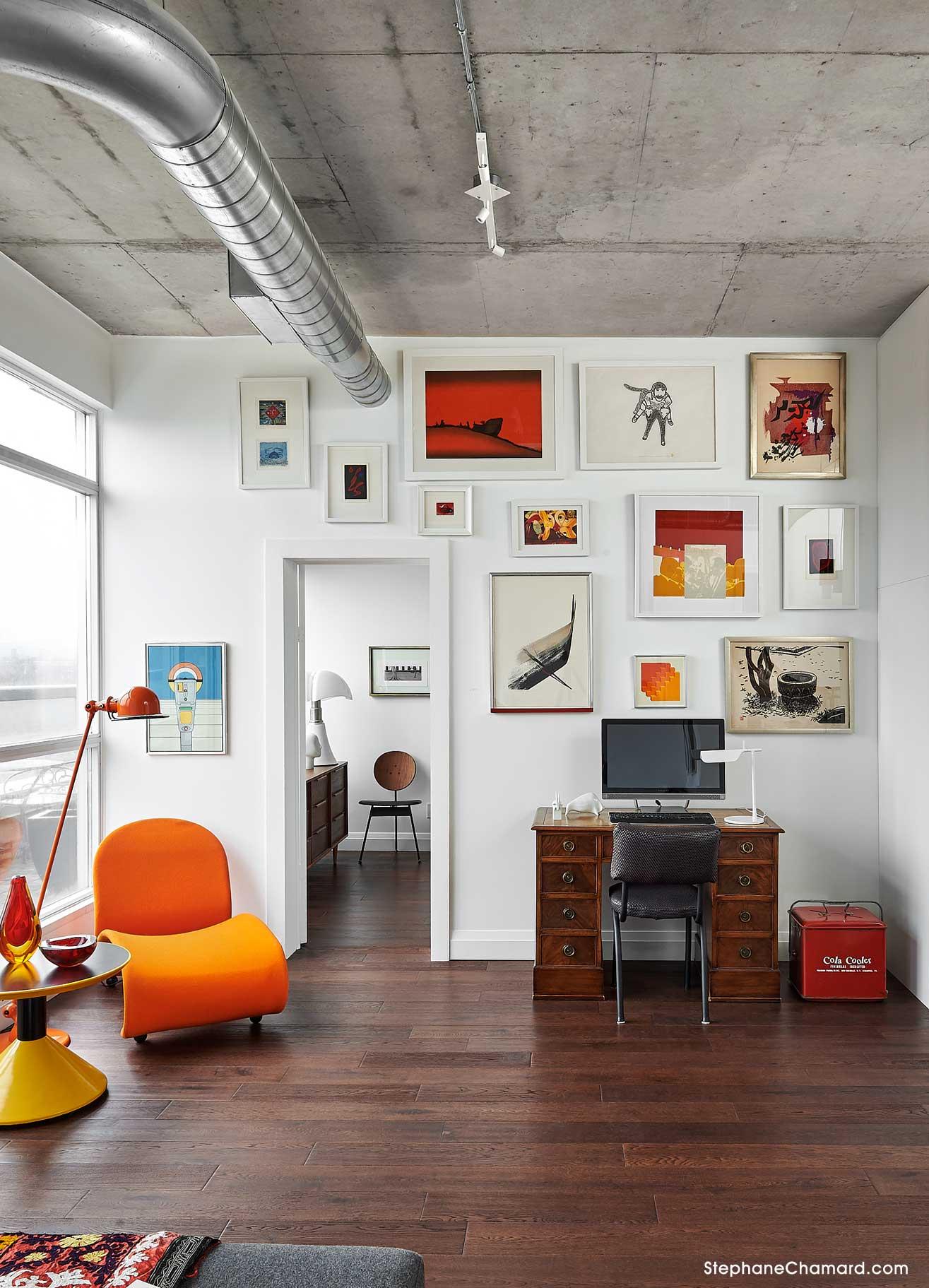 Incroyable Queen West Loft Living Area